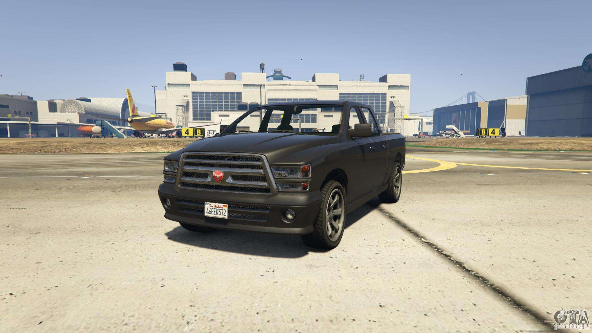 GTA 5 Bravado Bison - вид спереди