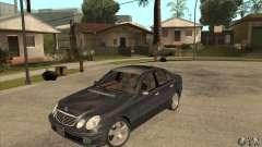 Mercedes-Benz E500 2003