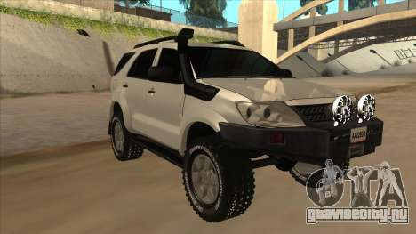 Toyota Fortunner 2012 Semi Off Road для GTA San Andreas вид слева