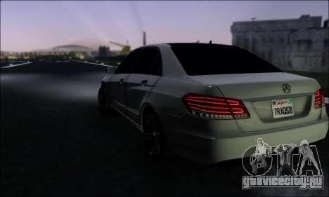 Mercedes-Benz W212 AMG v2.0 для GTA San Andreas вид сзади слева