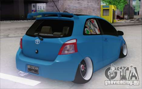 Toyota Yaris Hellaflush Young Child для GTA San Andreas вид сзади слева