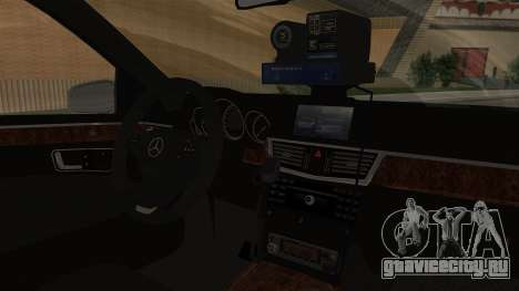 Mercedes-Benz Е500 МВД ГИБДД для GTA San Andreas вид справа