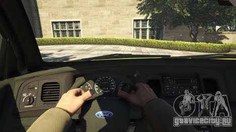 Ford Crown Victoria Taxi v1.1 для GTA 5 вид сзади