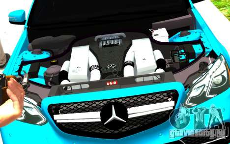 Mercedes-Benz E63 W212 AMG для GTA 4 вид справа