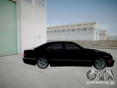 Mercedes-Benz E55 W210 для GTA San Andreas вид слева