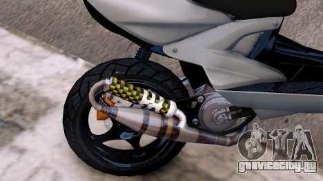 Yamaha Aerox для GTA 4 вид изнутри