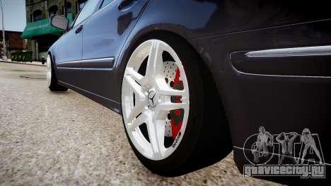 Mercedes-Benz AMG E320 W211 для GTA 4 вид сзади
