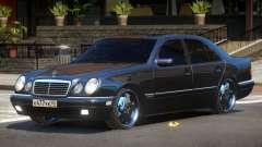 Mercedes Benz E55 V1.0 для GTA 4